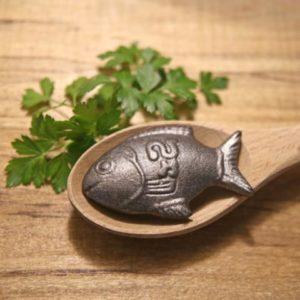 fish_cuttingboard_large